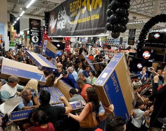 Mandatory Credit: Photo by Cris Faga/REX (9990525c) Black Friday in Sao Paulo Black Friday in Sao Paulo, Brazil - 22 Nov 2018