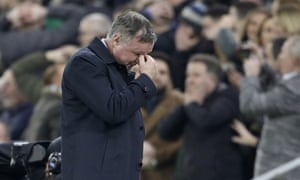 Michael O'Neill reacts to Steven Davis' shanked penalty.