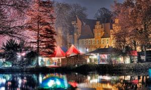 The Christmas market in front of Schloss Bergedorf castle, Bergedorf, Hamburg