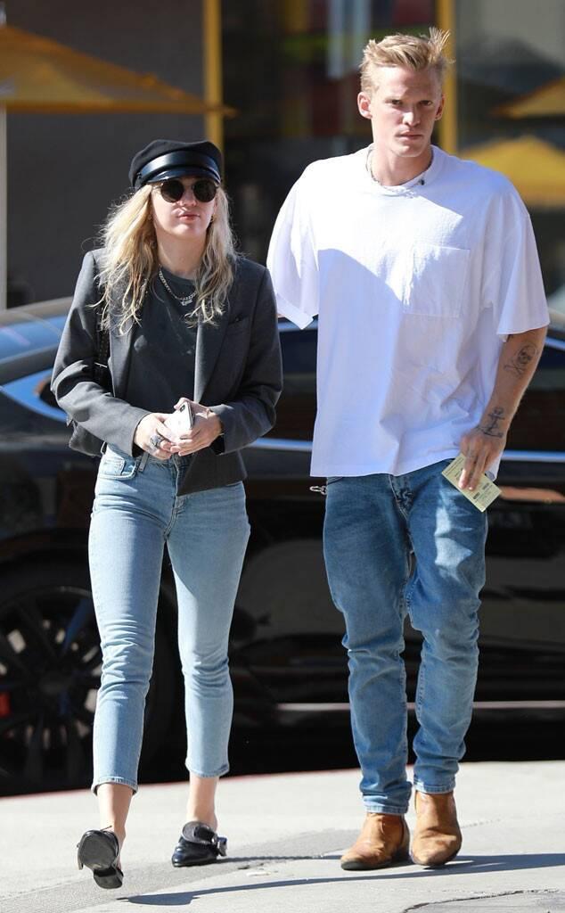Miley Cyrus, Cody Simpson