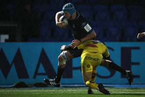 Scott Cummings in action for Glasgow.