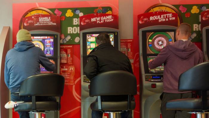UK Slot Machines Limited to £2: What it means for Online Casinos