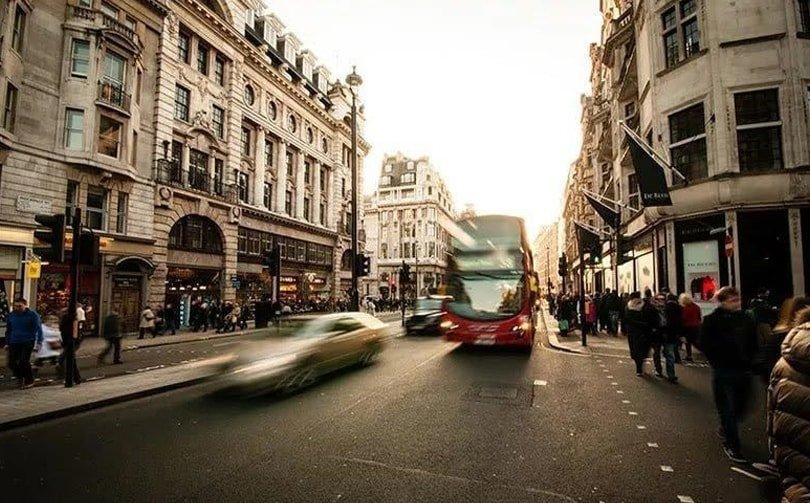 UK consumer confidence improves in September