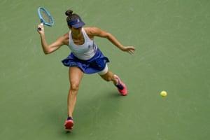 Pironkova wins first set, 6-4.
