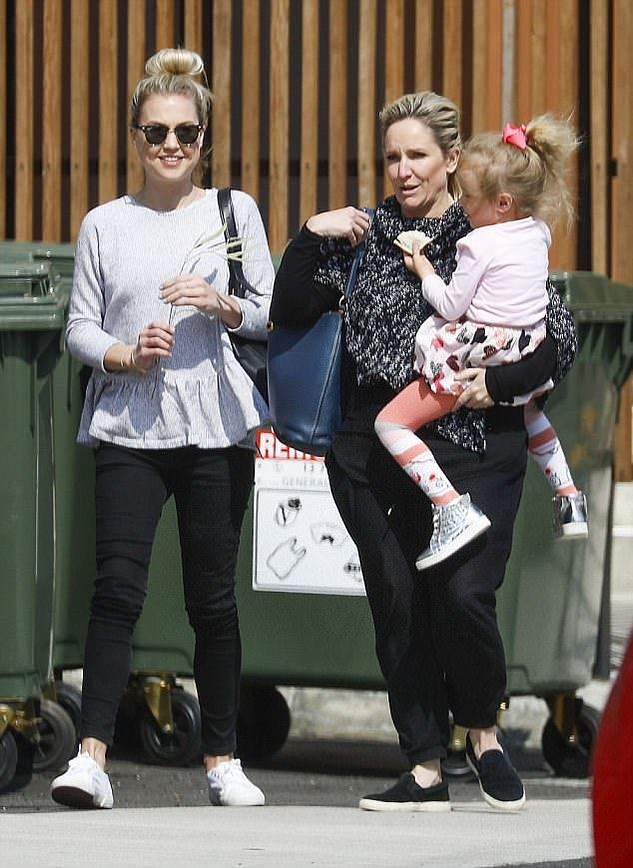 Bond: Fifi had a complexrelationship with Jaimi's family: she welcomed Trixie in 2013 after a fling with Jaimi's father, Grant Kenny, but despite their break-up remained close with Grant's adult children from his marriage to Lisa Curry. Pictured: Jaimi, Fifi and Trixie inSeptember 2017