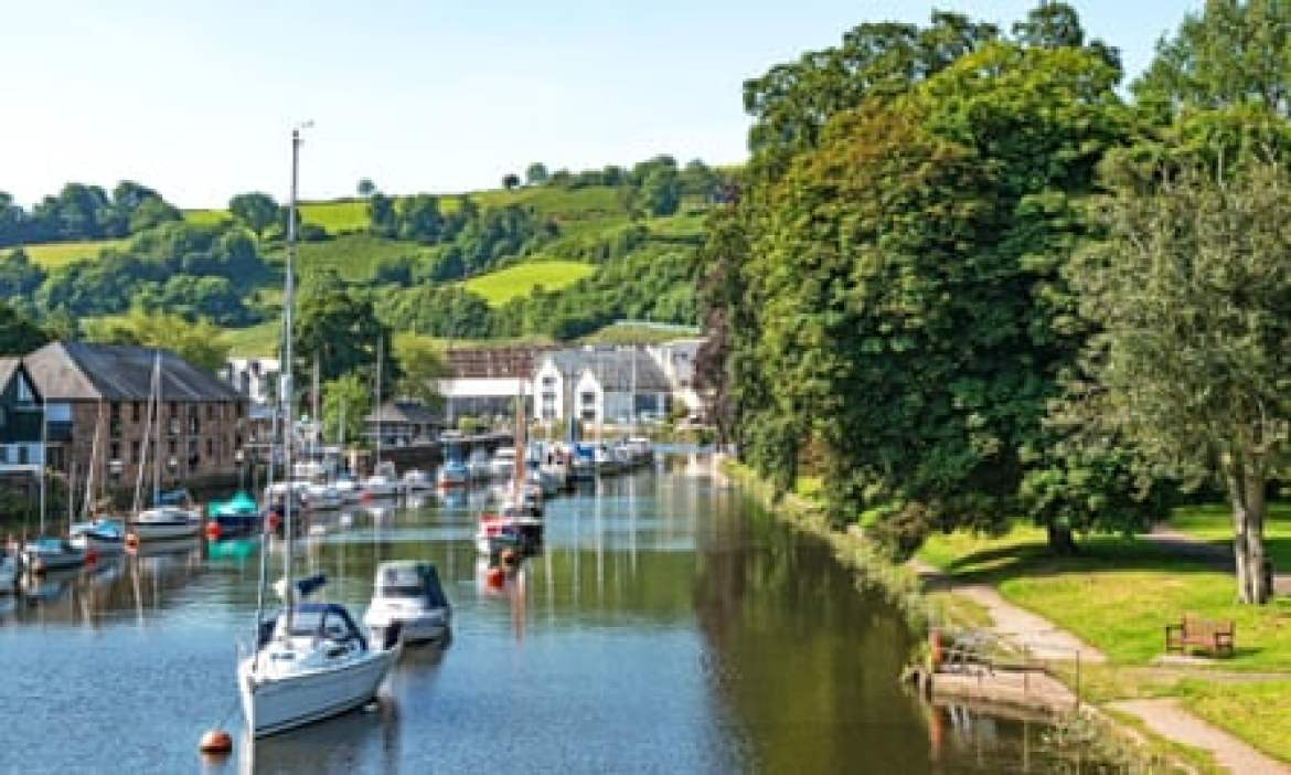 The river Dart running through the town of Totnes.