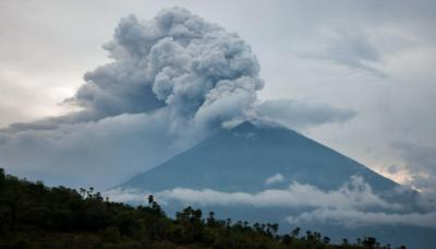 Bali's Mt Agung eruption could send temperatures plunging ...