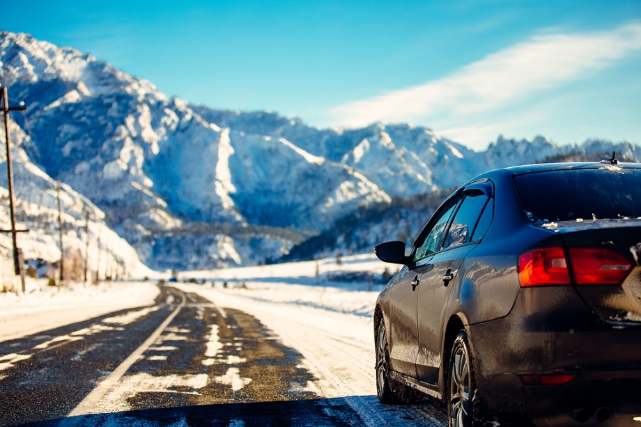 Car-Road-Trips-in-Winter