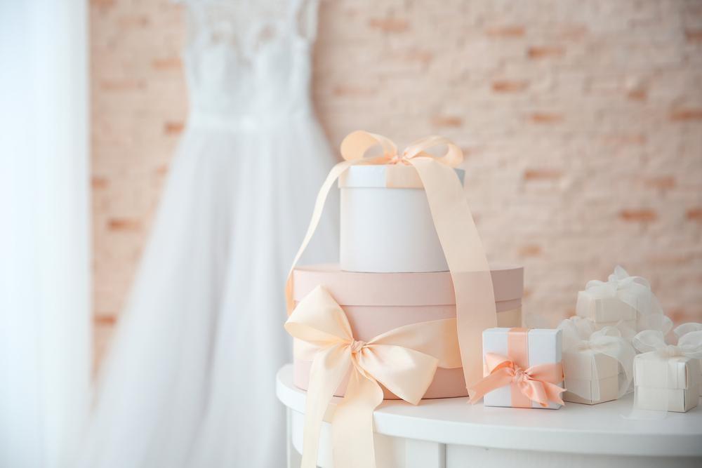 Gifts for Wedding Season