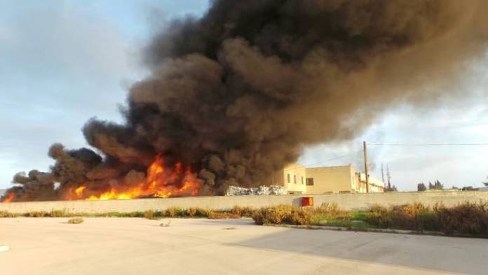 incendio zona industriale