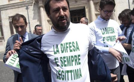 Legittima difesa: Salvini, affronto da governo clandestino