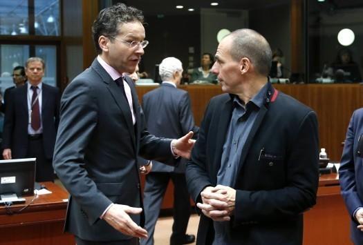Οι διαπραγματεύσεις ξεκίνησαν ενώ τρέχει το τελεσίγραφο – Βαρουφάκης: Το επόμενο βήμα είναι ένα υπεύθυνο βήμα – Ντάισελμπλουμ: Είμαστε έτοιμοι