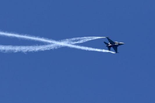 Ηράκλειο: Έσκισε τον ουρανό το F-16 για τη γιορτή του Αγίου Μηνά [vid]