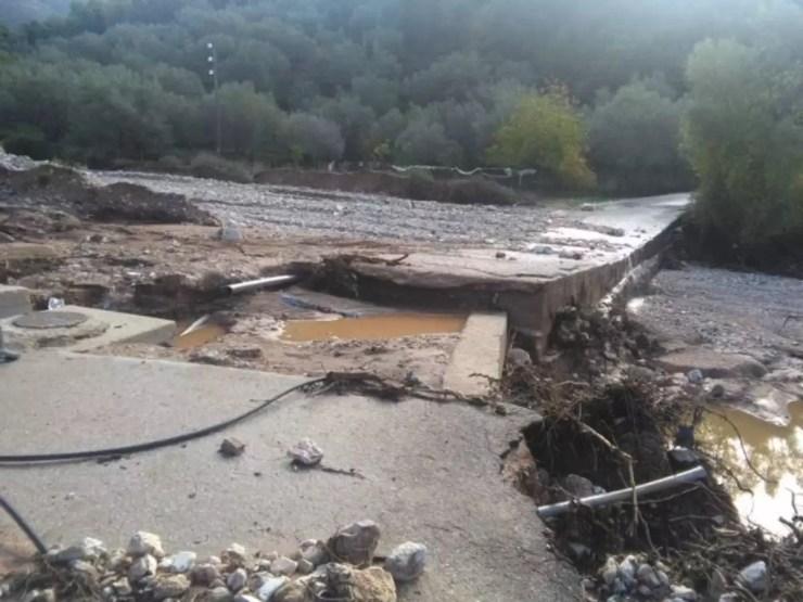 Ηγουμενίτσα: Ο χείμαρρος «πέταξε» γυναίκες στον γκρεμό! Πλημμύρες, χαλάζι και τόνοι λάσπης! [pics, vid] | Newsit.gr