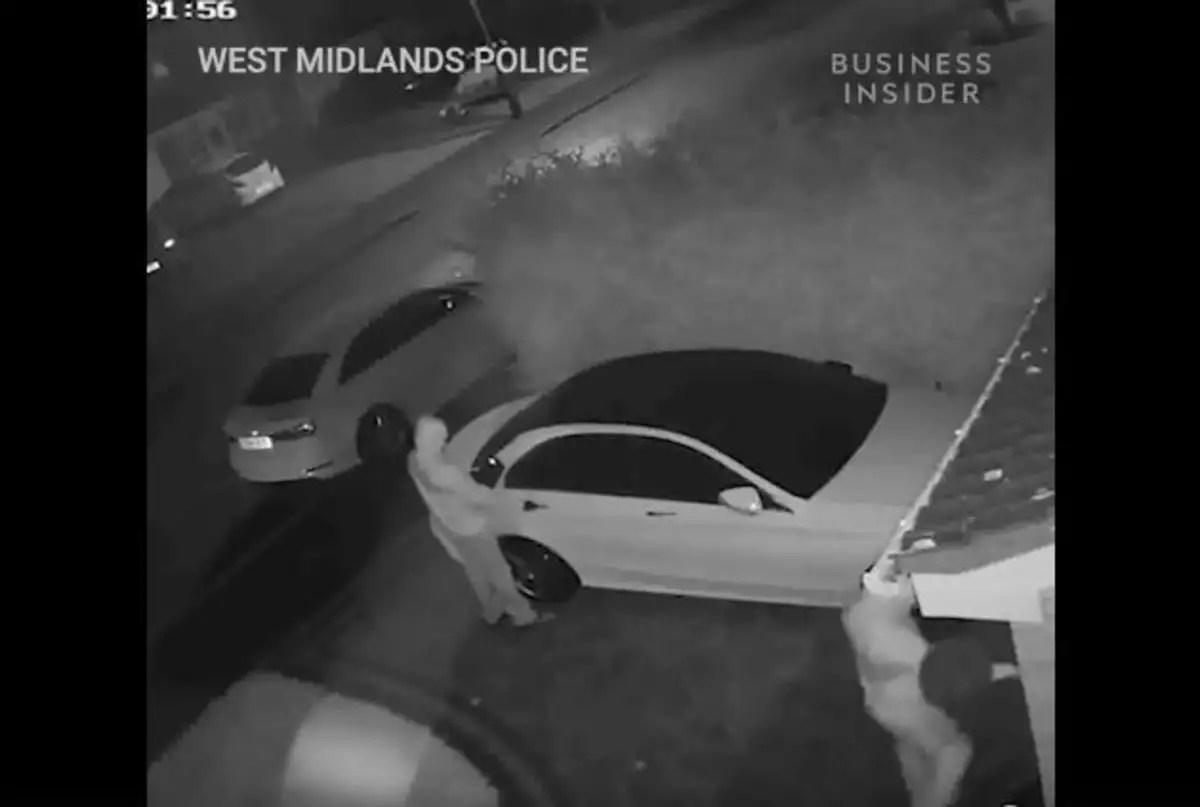 Ο μαγικός τρόπος με τον οποίο κλέβουν αυτό το αυτοκίνητο σε δευτερόλεπτα | Newsit.gr