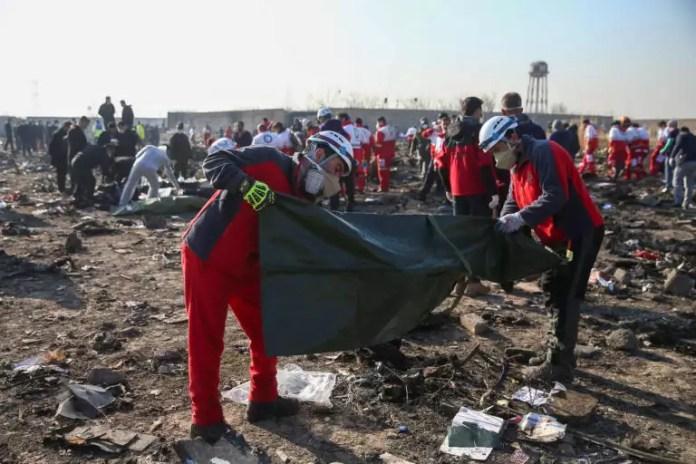 Συντριβή Boeing 737 στο Ιράν: Δεν δίνει τα μαύρα κουτιά η Τεχεράνη!