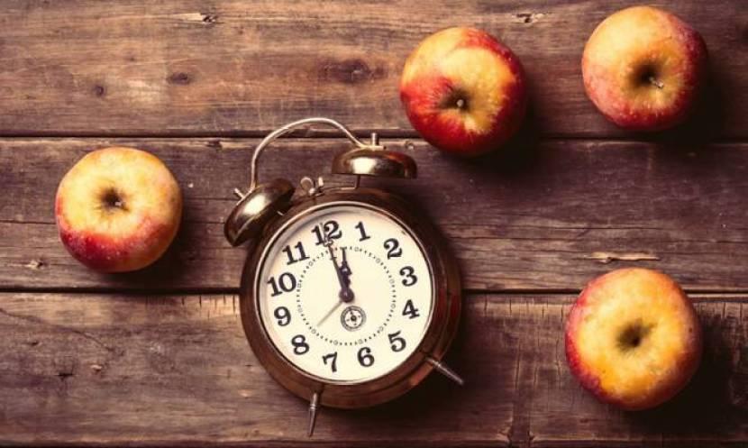 H καλύτερη ώρα για να τρώμε φρούτα – 5 μύθοι και η αλήθεια