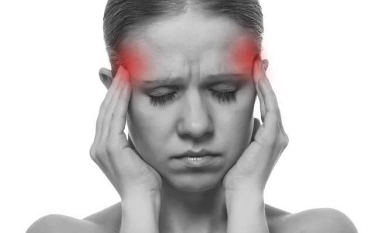 Ημικρανίες: Ποιες τροφές μπορεί να σας προκαλούν πονοκέφαλο