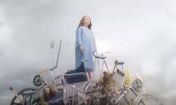 «Η αρρώστια δεν είναι αδυναμία», ένα συγκλονιστικό βίντεο για τα παιδιά μαχητές!
