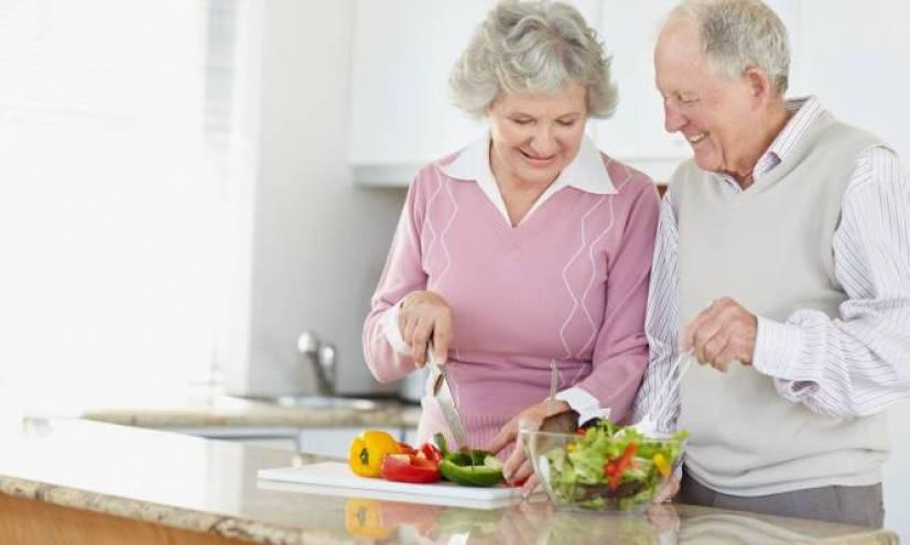 Η μεσογειακή διατροφή μειώνει τα επίπεδα της C-αντιδρώσας πρωτεΐνης που αποτελεί τον κύριο δείκτη φλεγμονής και γήρανσης