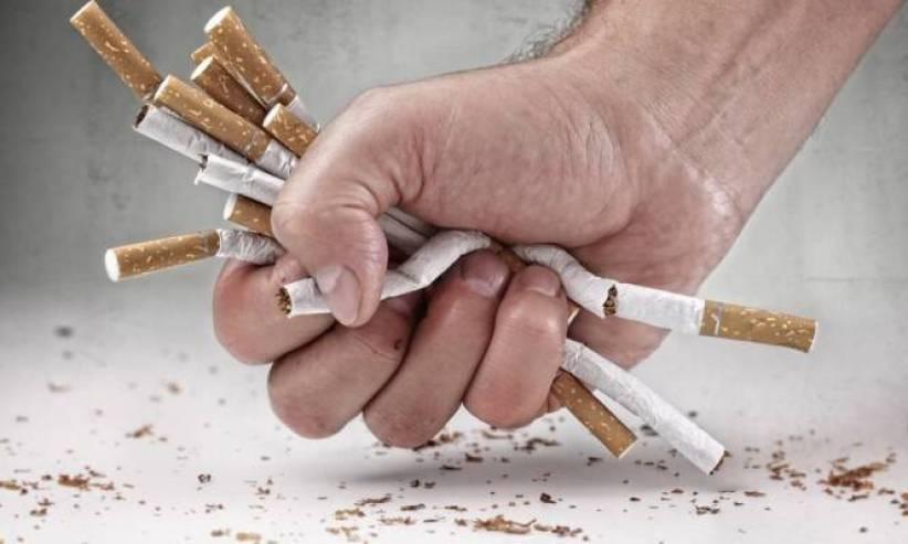 Τι κάνει το κάπνισμα σε όσους έχουν προσβληθεί από AIDS