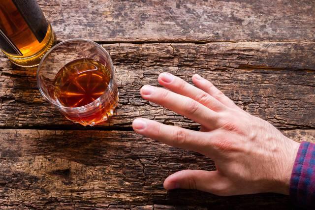 Το αλκοόλ αυξάνει τον κίνδυνο για καρκίνο του προστάτη