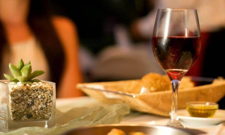 bigstock-The-served-table-with-red-wine-18926894