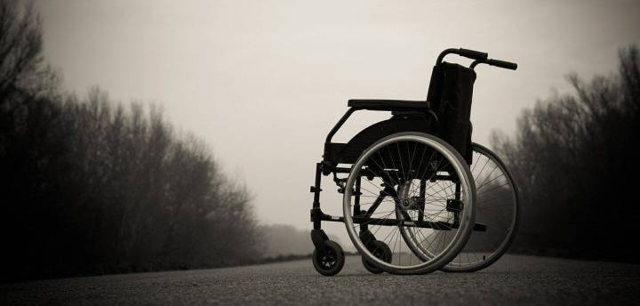 cropped-wheelchair-567809_1280