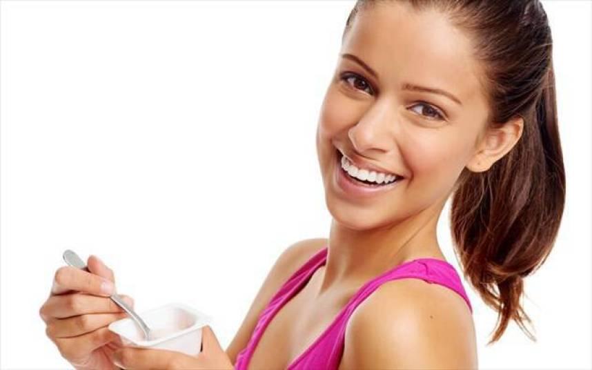 Διατηρήστε τα όμορφα δόντια σας με 3 διατροφικές συμβουλές