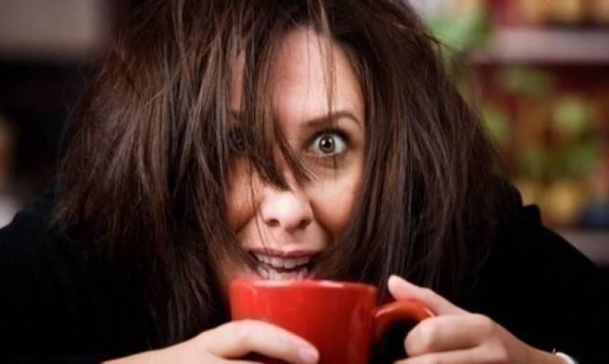 Αν νιώσετε αυτά τότε πίνετε πολλούς καφέδες – Συμπτώματα από υπερβολική καφεΐνη