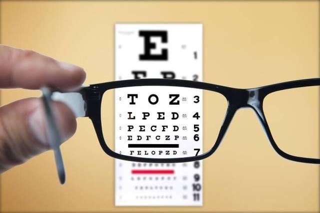 Οδηγείτε; Πόσο συχνά πρέπει να ελέγχετε την όρασή σας