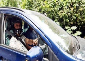 अनोखा मामला: कार चलाते वक्त हेलमेट जरूर पहने, नहीं तो हो सकता आपका चालान…?