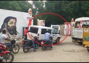 PM-CM ने खत्म की, लेकिन BHU में आज भी चलता हैं VIP कल्चर