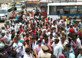 वाराणसी: डग्गामार वाहनों के खिलाफ कार्रवाई के दौरान बवाल