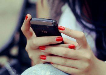 युवती को रात में WhatsApp पर भेजता था अश्लील वीडियो और तस्वीर, मामला दर्ज
