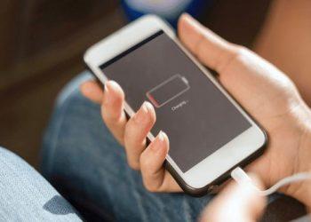 मोबाइल की बैटरी के लिए खतरनाक होती है यें आदतें…