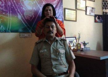 SHO को गुरु मां का आशीर्वाद लेना पड़ा महंगा, भेजा गया पुलिस लाइन