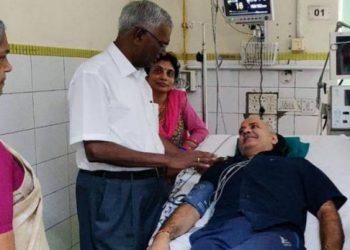 सिसोदिया और सत्येंद्र जैन को अस्पताल से छुट्टी, केजरीवाल का धरना जारी