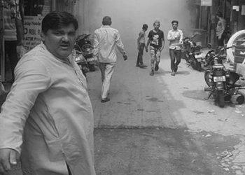 दिल्ली हिंसा: हिरासत में लिया गया निलंबित AAP पार्षद ताहिर हुसैन का भाई, चांदबाग में हिंसा का है आरोप