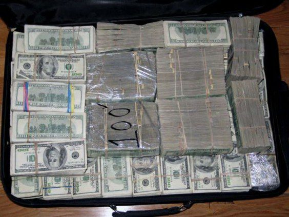 A Mexican Drug Lords House Was Raided Look What They Found
