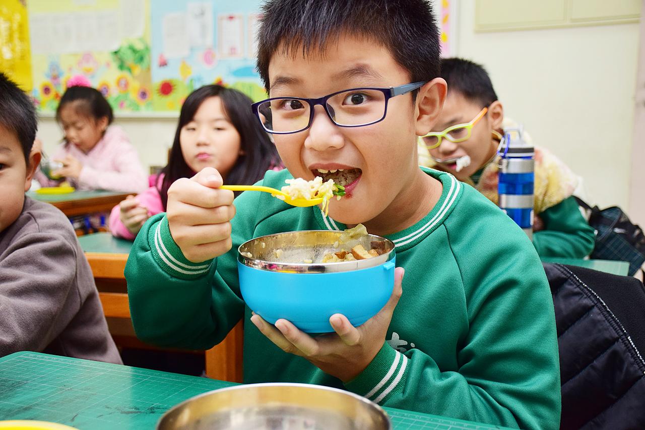 埔和國小營養午餐 32元吃有機零廚餘 - 上下游News&Market新聞市集
