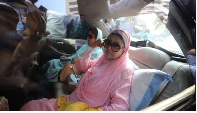নিজেই গাড়ি চালিয়ে খালেদা জিয়াকে ফিরোজাতে নিয়ে যান শামীম ইস্কান্দার