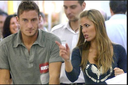 Ilary Blasi e Francesco Totti allo stadio del calcio