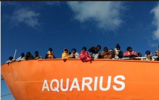 Apertura del premier spagnolo alla nave Acquarius pronto lo sbarco a Valencia. Brutta figura per l'Italia.