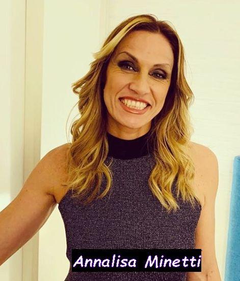 Annalisa Minetti sorridente si prepara per le prossime olimpiadi.