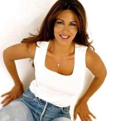 Sabrina Ferilli che posa per un servizio fotgrafico