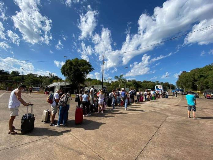 Puerto Iguazú closed its border with Brazil. (Photo: TN and La Gente)