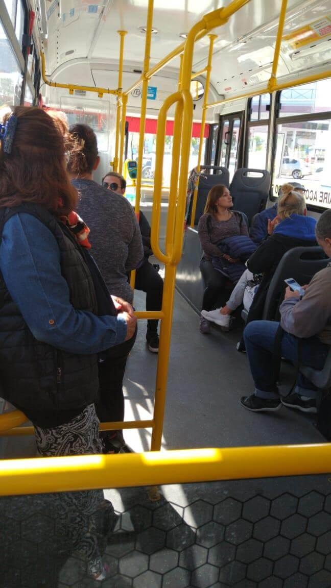 Users stopped in a bus in Avellaneda. (Photo: TN and La Gente).