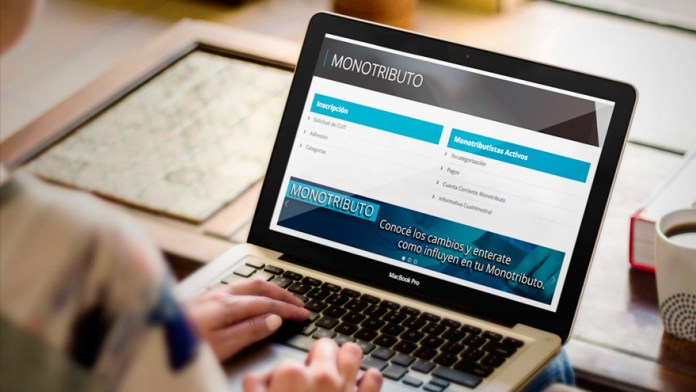 The process begins on the AFIP website, which yesterday went several hours without service