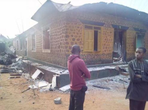 Hoodlums Set Anambra Police Station Ablaze, Free Prisoners